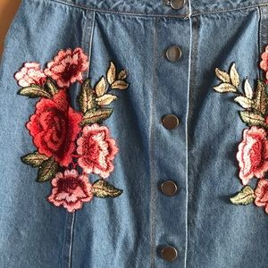 onetheland Skirts - NWT embroidered denim skirt